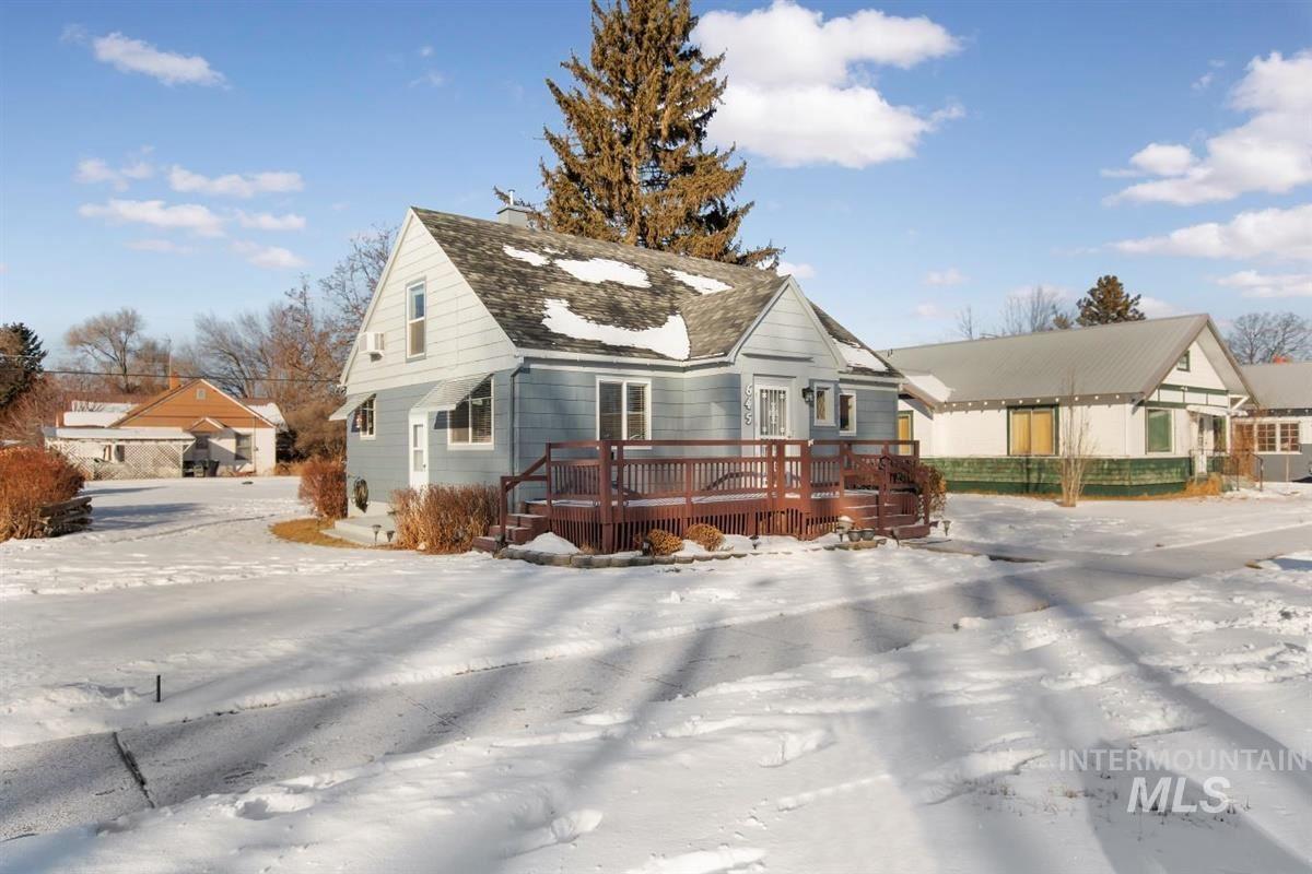 Photo of 645 Idaho Street, Gooding, ID 83330 (MLS # 98768438)