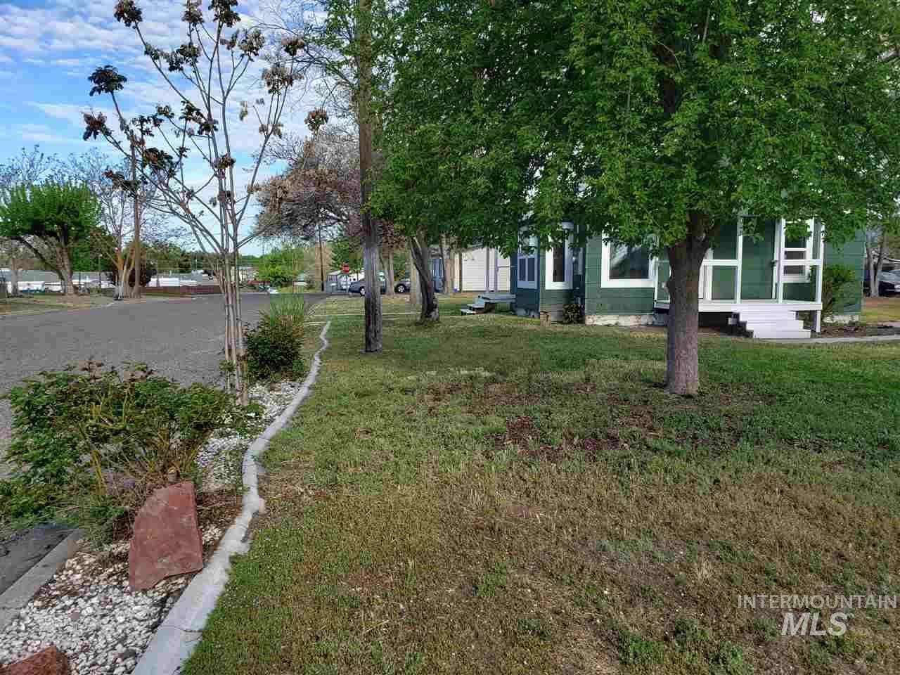 Photo of 703 NW 3rd St., Ontario, OR 97914-0000 (MLS # 98765441)