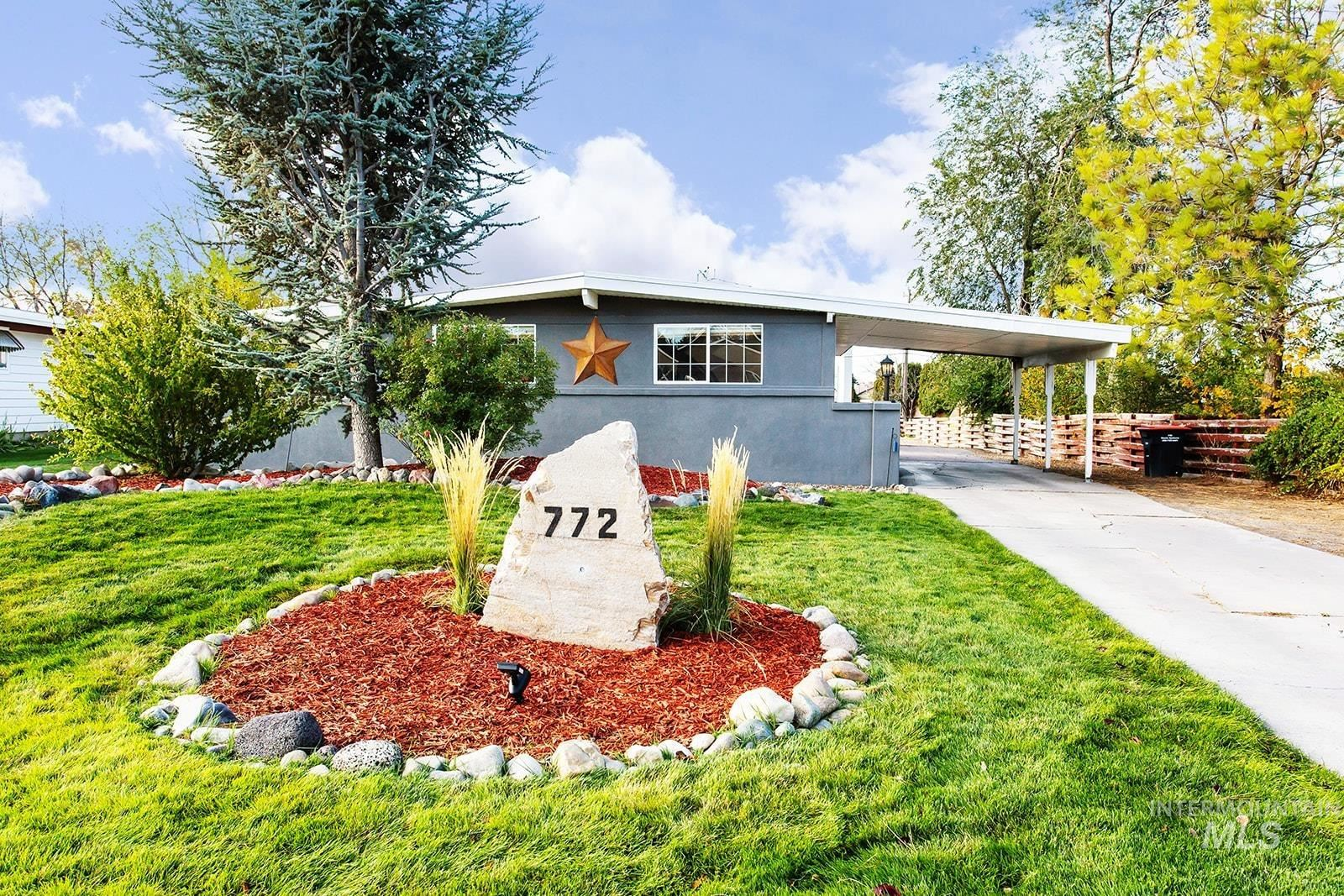 Photo of 772 Greenwood Drive, Twin Falls, ID 83301 (MLS # 98822444)
