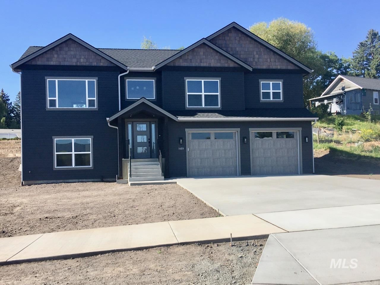 Photo of 1409 Lanny, Moscow, ID 83843 (MLS # 98768447)