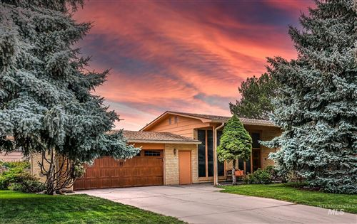 Photo of 421 E Highland View Drive, Boise, ID 83702 (MLS # 98820451)