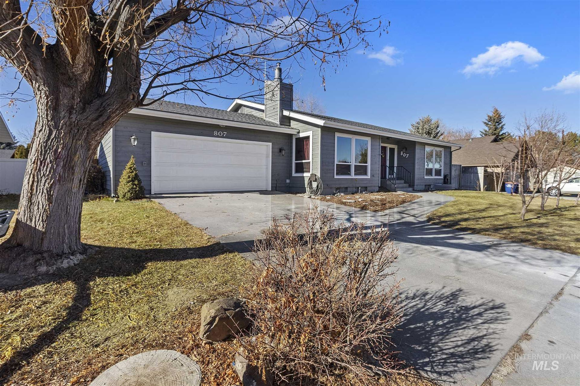 Photo of 807 Campus Dr, Twin Falls, ID 83301 (MLS # 98791451)