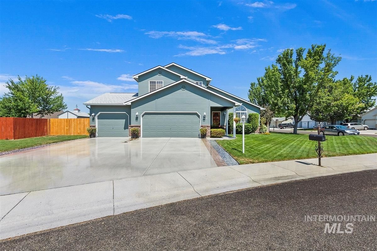 Photo of 11860 W Emerson Dr, Boise, ID 83709 (MLS # 98776454)