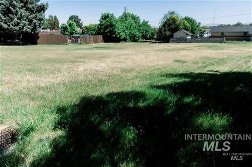 Photo of 208 Pleasanton Dr, Nampa, ID 83686 (MLS # 98813457)