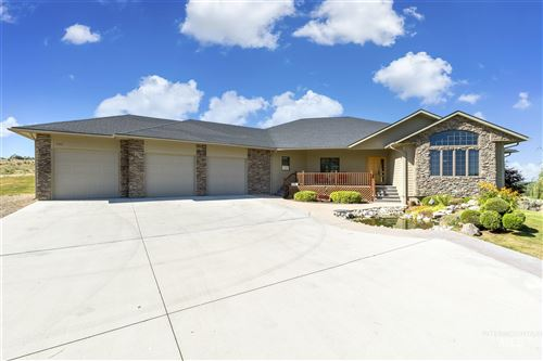 Photo of 7517 Lonesome Wolf Way, Star, ID 83669 (MLS # 98774466)