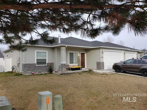 Photo of 3214 Airport Avenue, Caldwell, ID 83605 (MLS # 98757471)