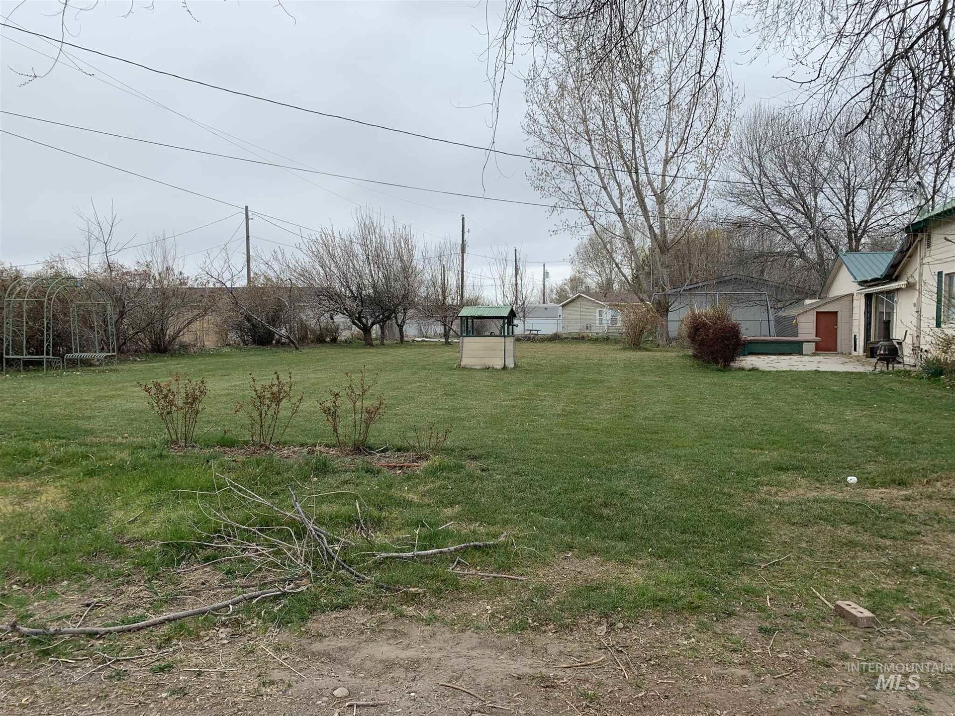 Photo of 429 W 3rd, Wendell, ID 83355 (MLS # 98798472)