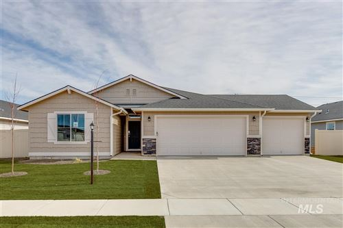 Photo of 1881 SW Challis Dr, Mountain Home, ID 83647 (MLS # 98762486)