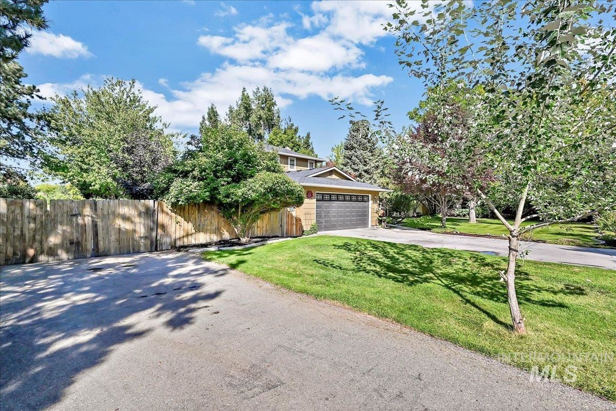 Photo of 5589 S Silver Spur St, Boise, ID 83709 (MLS # 98819490)