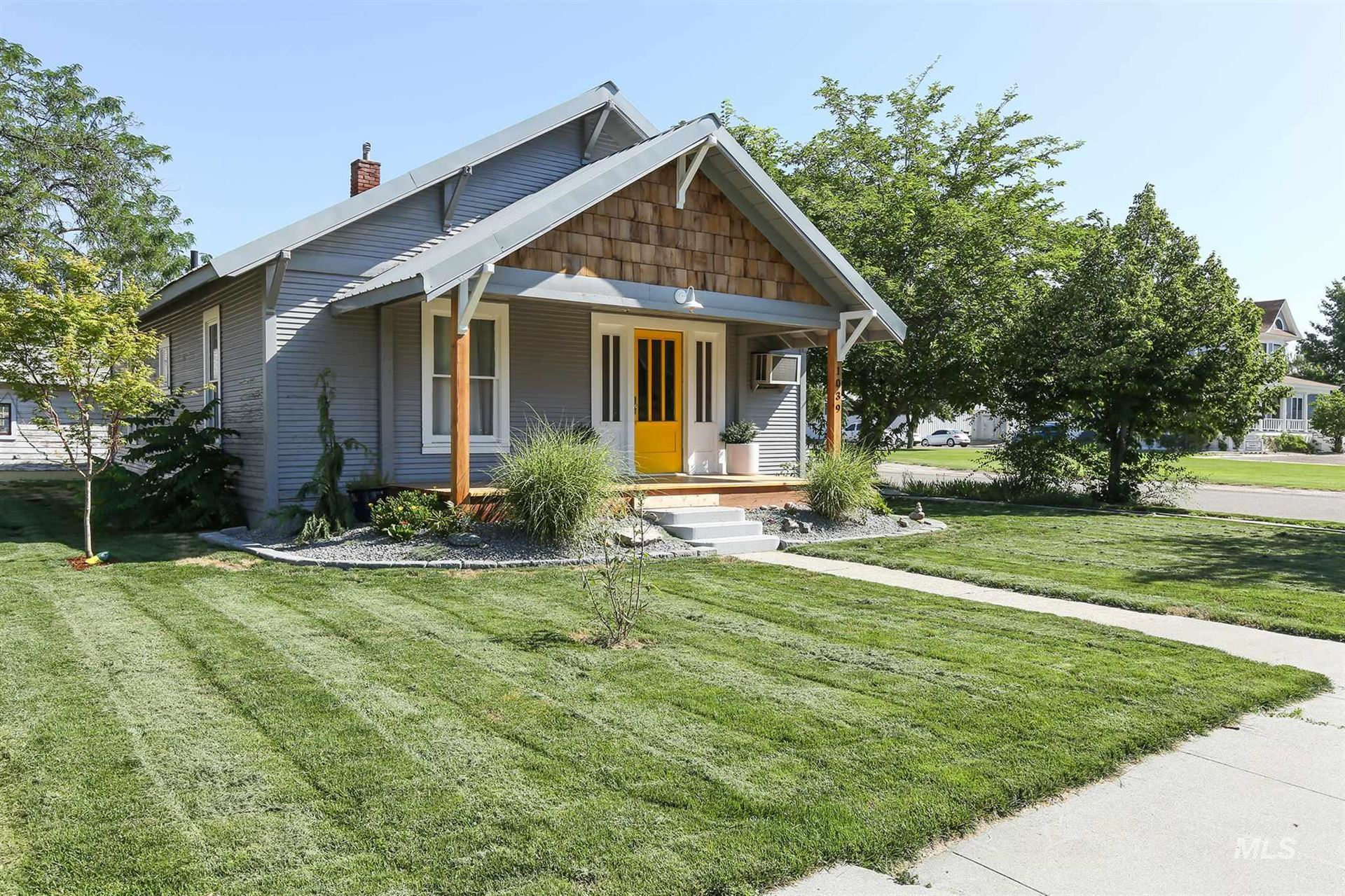 Photo of 1039 1st Ave North, Payette, ID 83619 (MLS # 98776500)