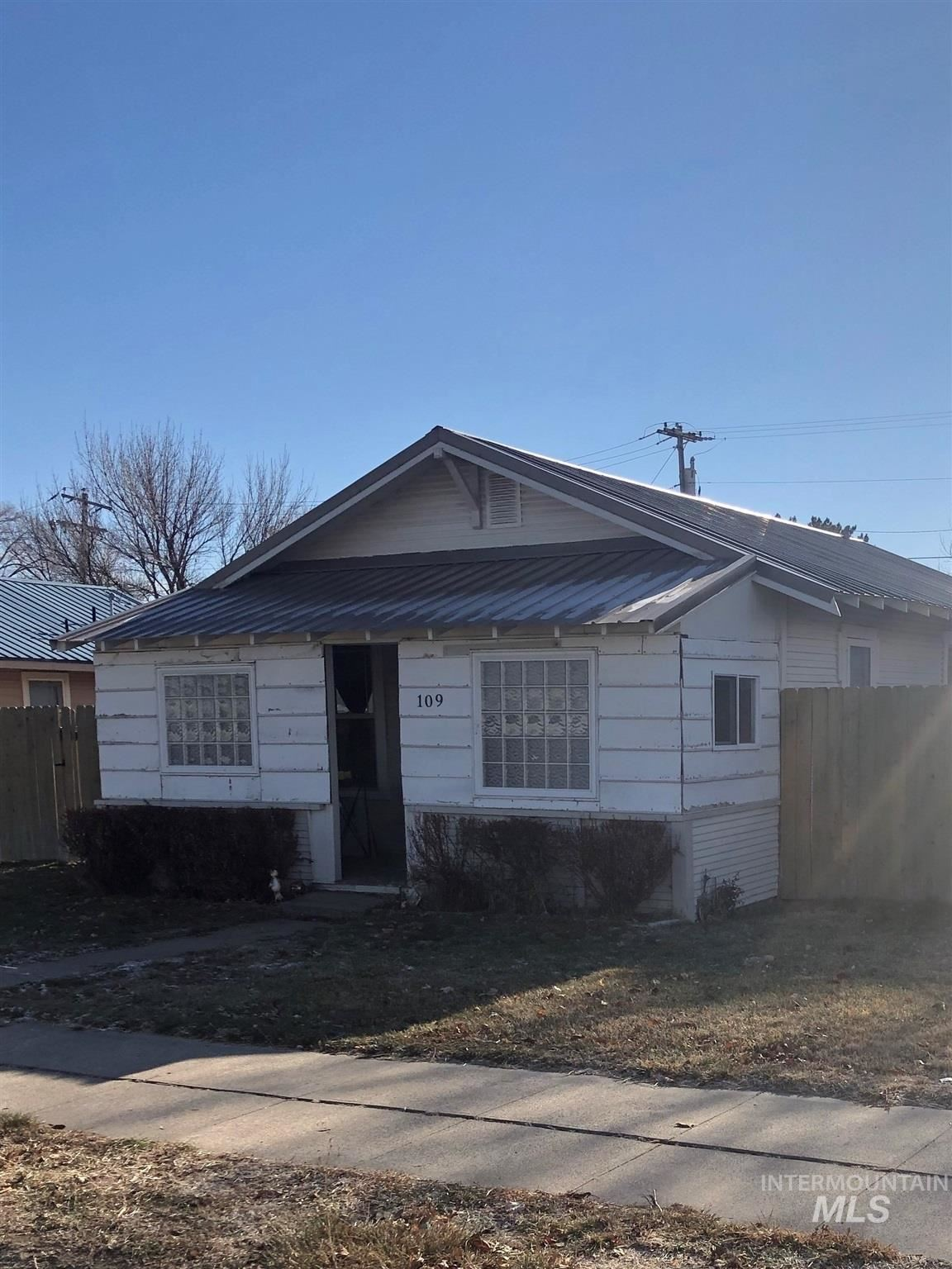 Photo of 109 Main Street, Filer, ID 83328 (MLS # 98788503)