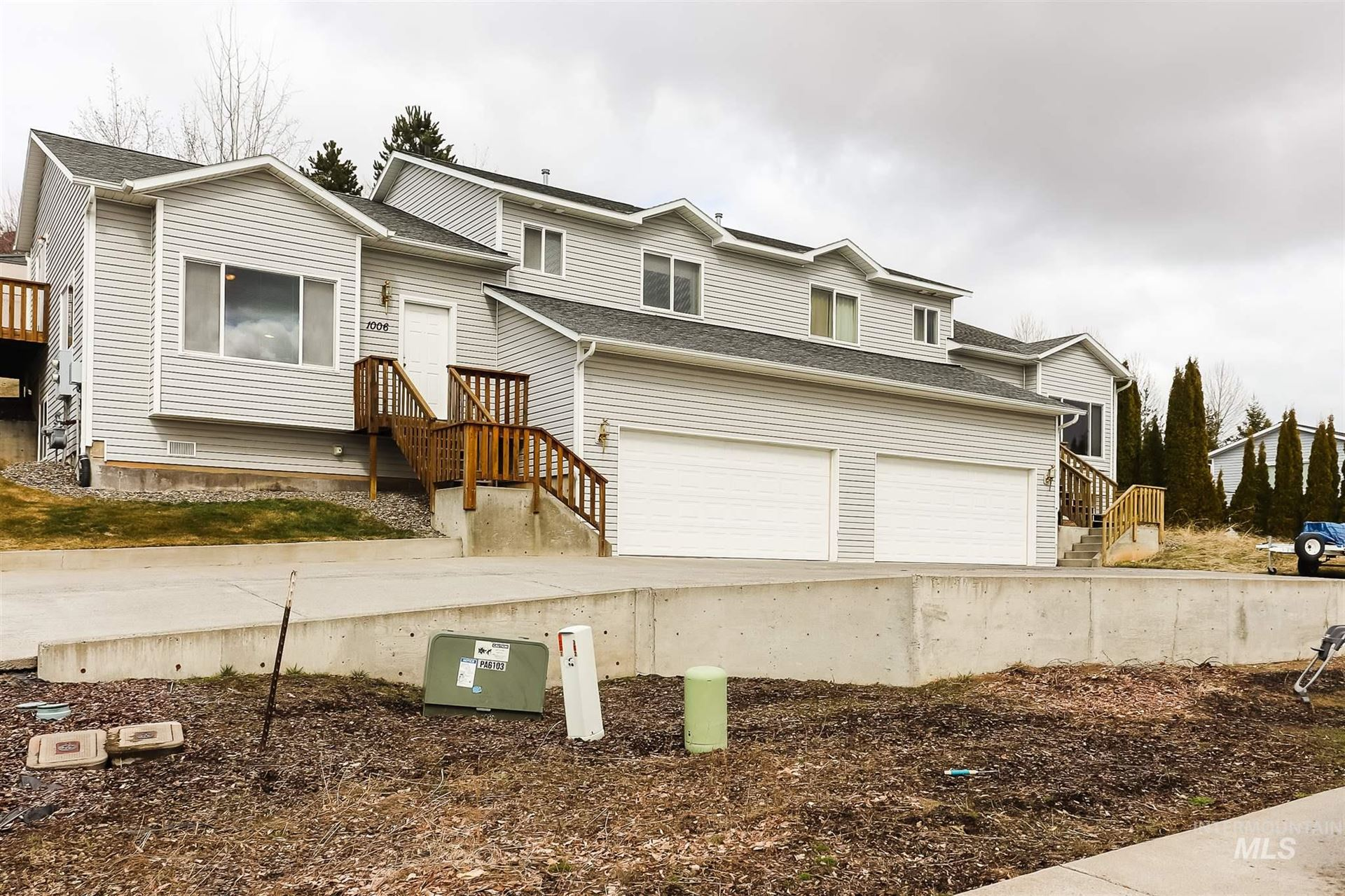 Photo of 1008 N Jefferson, Moscow, ID 83843 (MLS # 98797503)