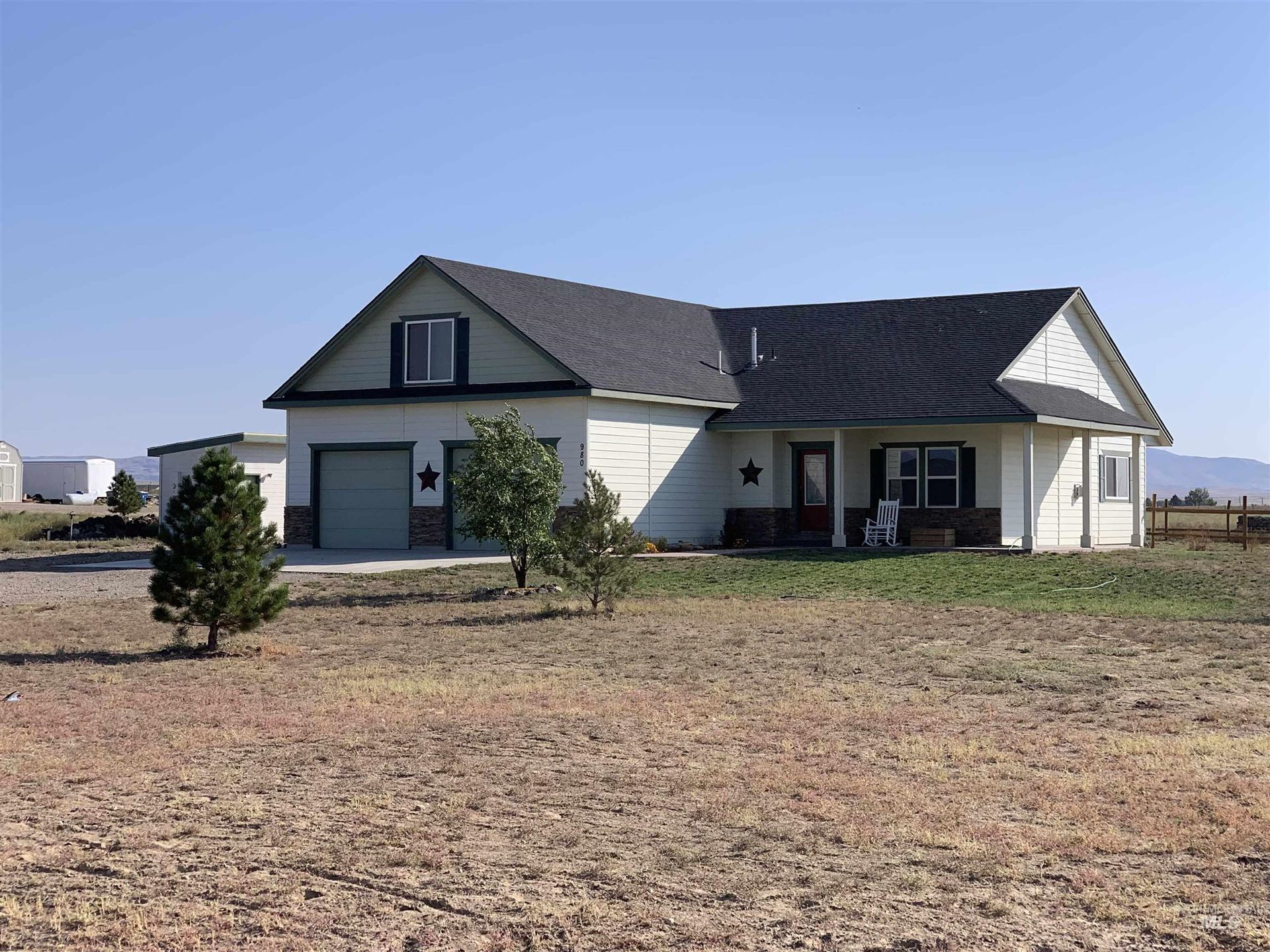 Photo of 980 SW Wright Place, Mountain Home, ID 83647 (MLS # 98819505)