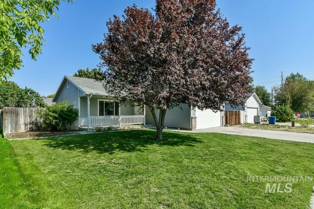 Photo of 1026 W Edwards Ave, Nampa, ID 83686 (MLS # 98819507)