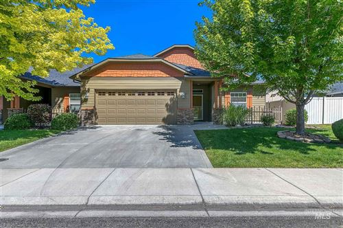 Photo of 194 E Ryegate Dr, Meridian, ID 83646 (MLS # 98772508)