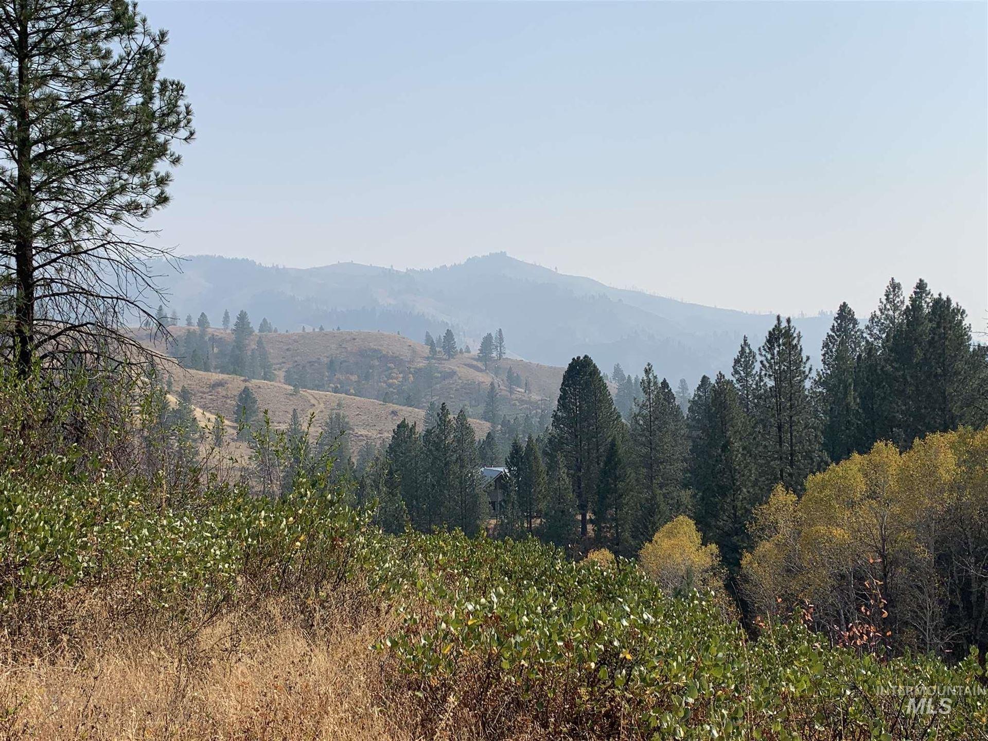 Photo of 43 Wolfe Creek Rd, Boise, ID 83716 (MLS # 98784509)