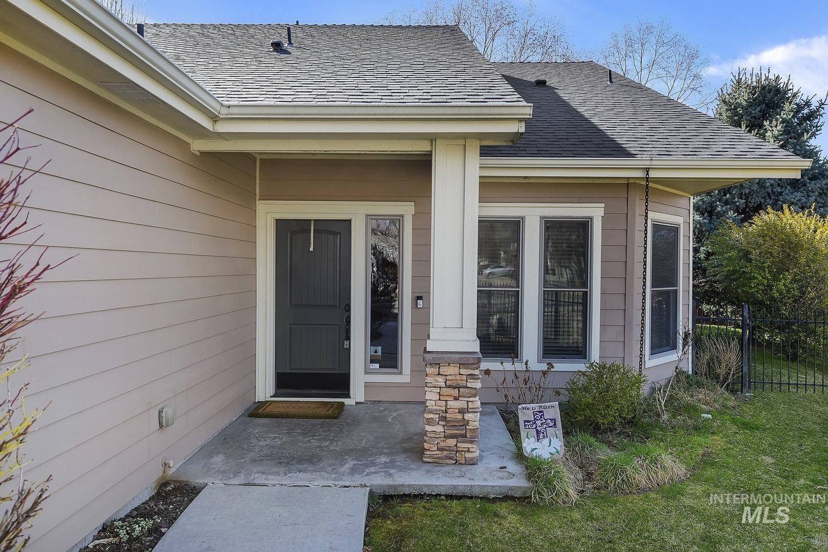 Photo of 4531 N Mackenzie Lane, Boise, ID 83703 (MLS # 98798517)