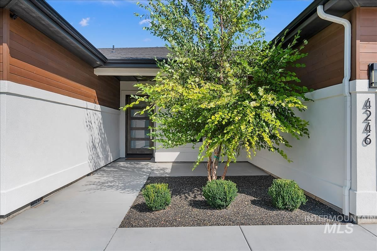 Photo of 4246 W Maggio Dr, Meridian, ID 83646 (MLS # 98823522)