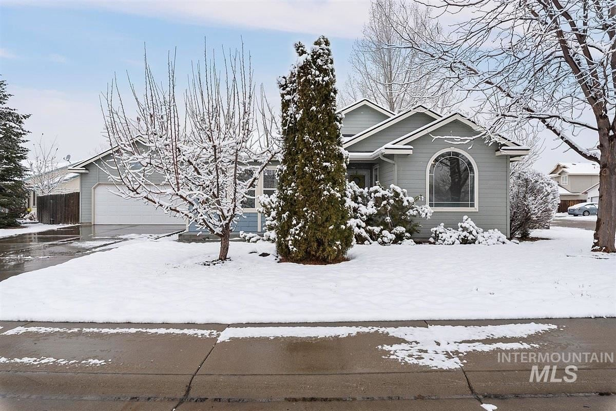 Photo of 2808 Boulder Ave, Nampa, ID 83686 (MLS # 98793528)