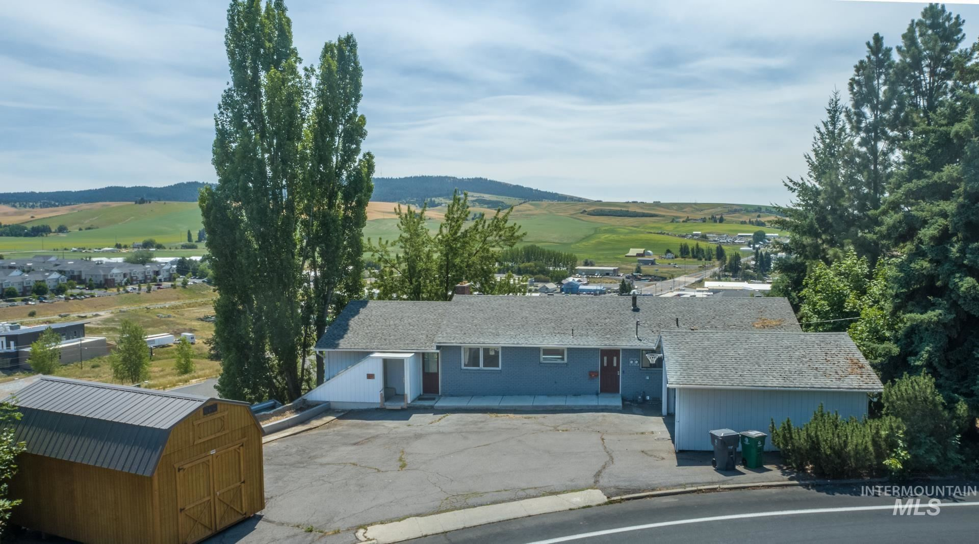 Photo of 433 Paradise Dr, Moscow, ID 83843 (MLS # 98809530)