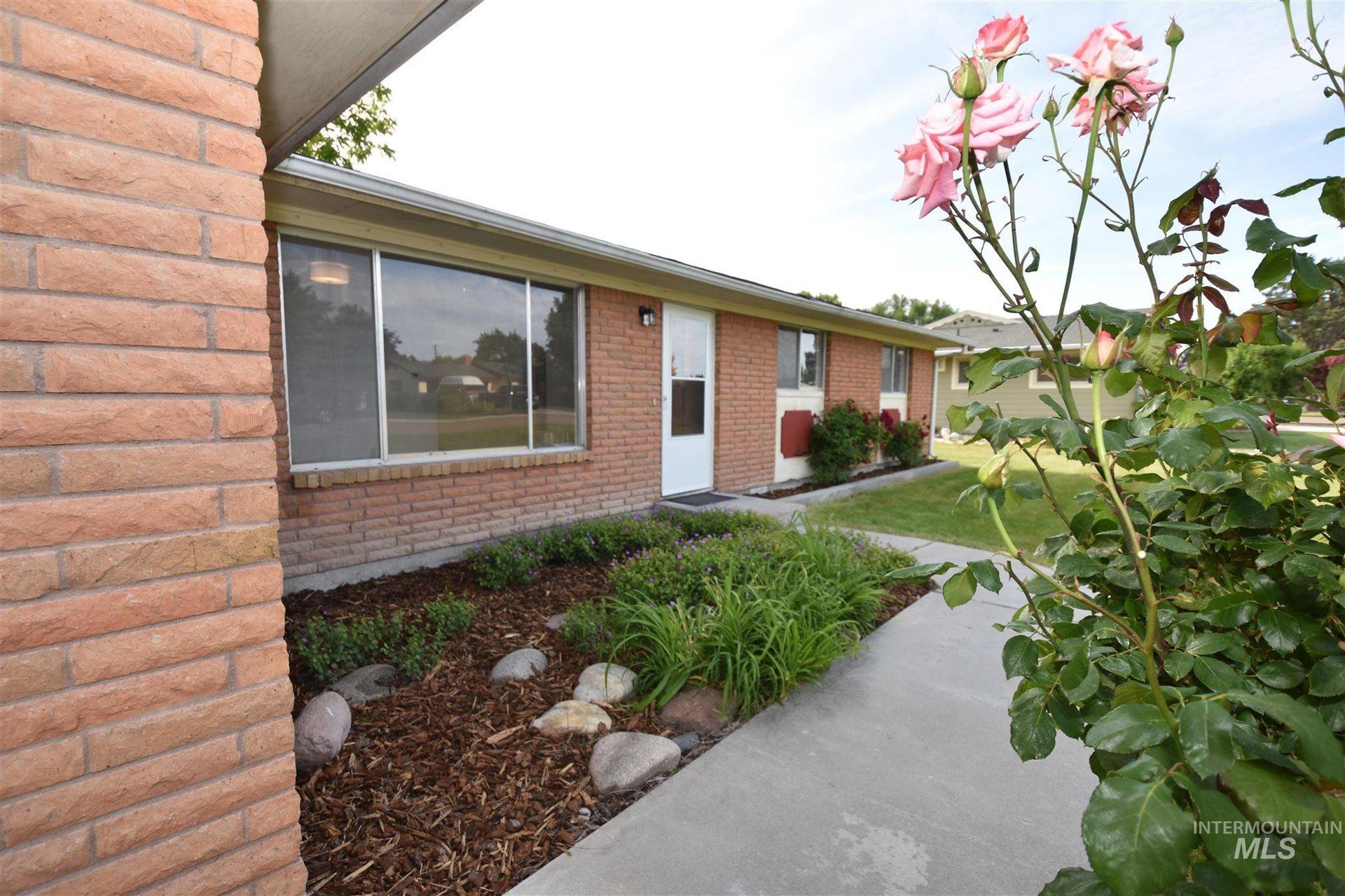 Photo of 3308 Iowa Ave, Caldwell, ID 83605 (MLS # 98806532)