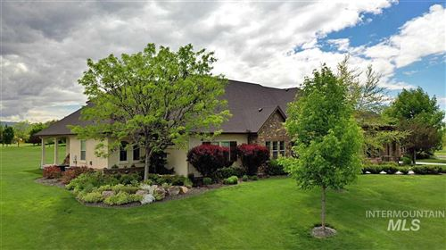 Photo of 1342 W Applecreek Court, Eagle, ID 83616 (MLS # 98759537)