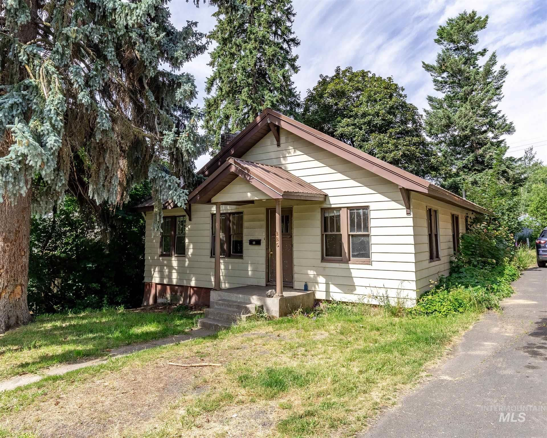 Photo of 225 Cherry, Moscow, ID 83843 (MLS # 98773551)