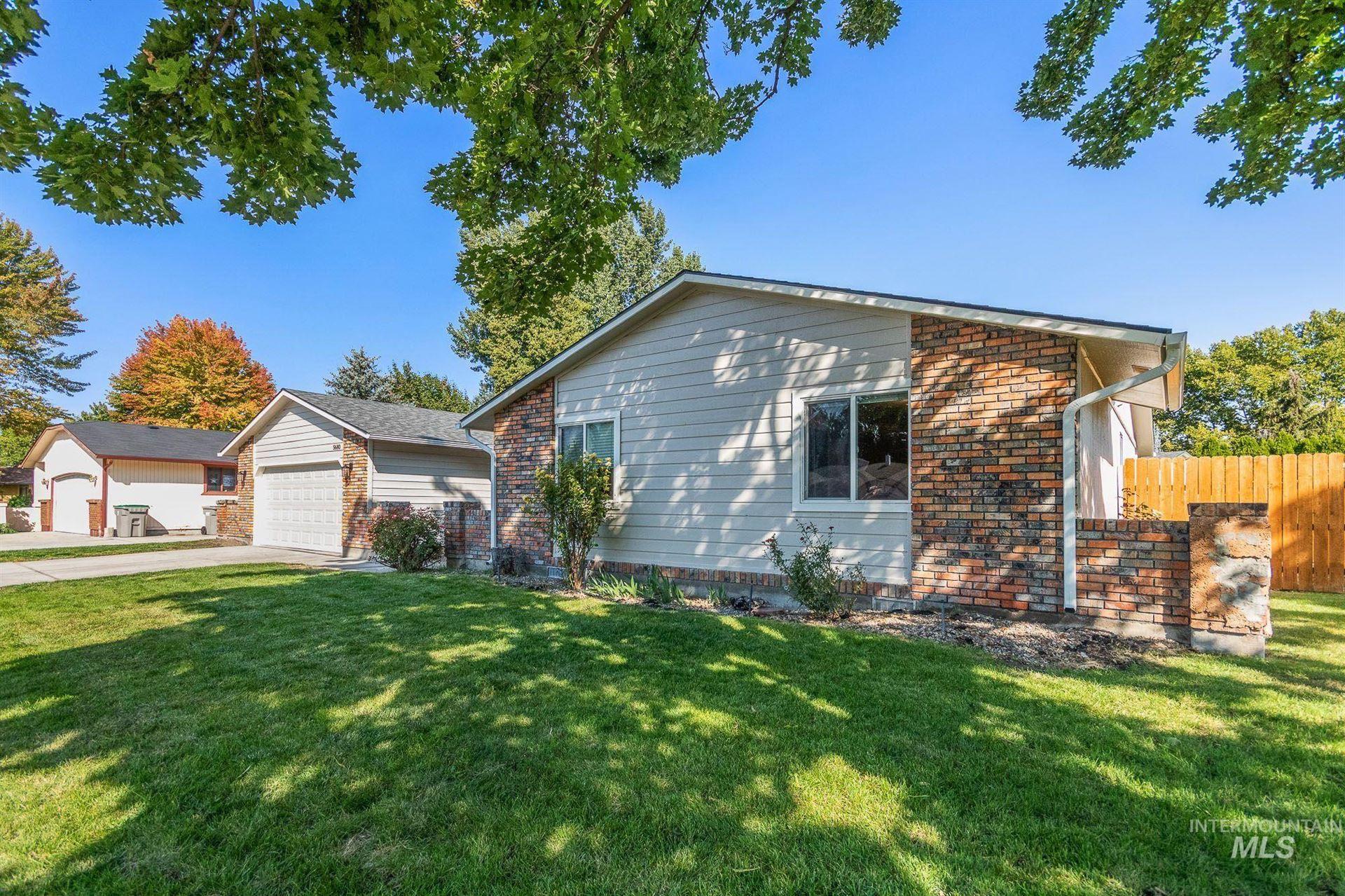 Photo of 5680 Peachtree, Boise, ID 83703 (MLS # 98819554)