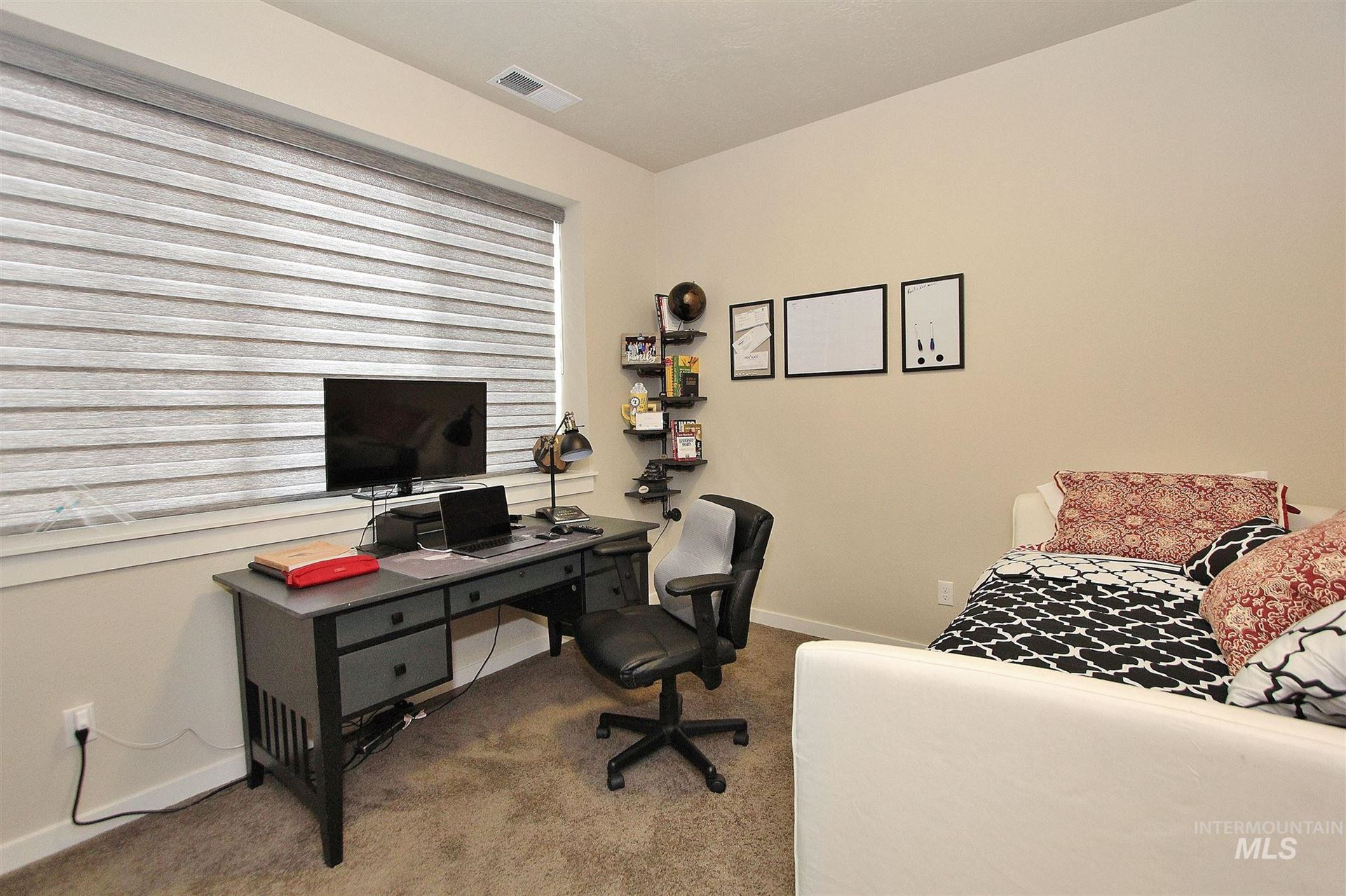 Photo of 3251 E Thoroughbred Lane, Boise, ID 83716 (MLS # 98791555)