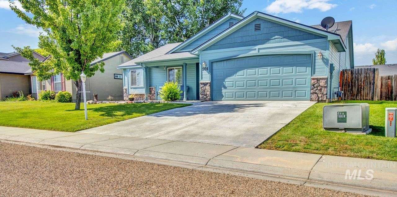 Photo of 701 Cromwell St, Caldwell, ID 83605 (MLS # 98776567)