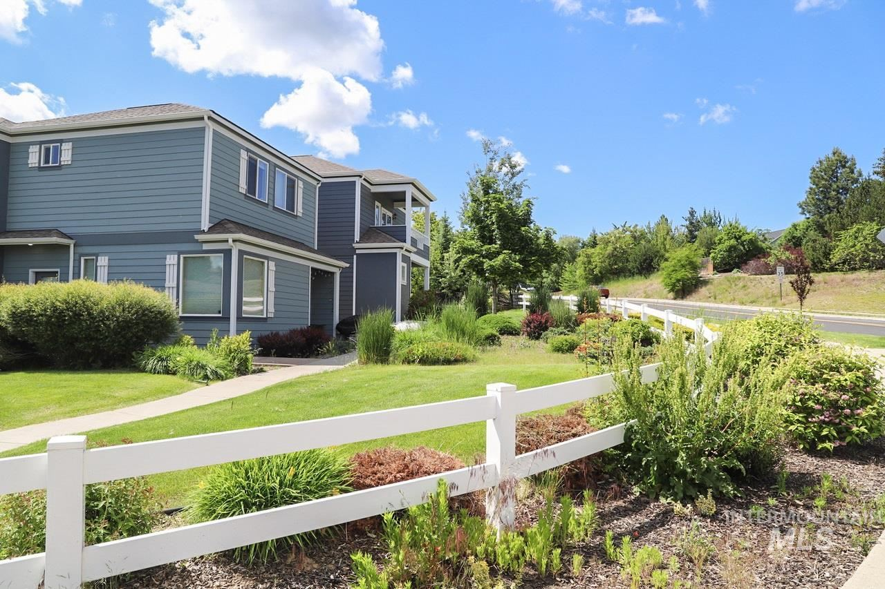 Photo of 1002 Clockworks Ln, Moscow, ID 83843 (MLS # 98797570)