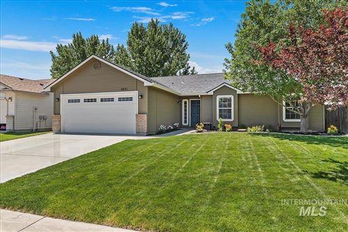 Photo of 6021 S Tallowtree Way, Boise, ID 83716 (MLS # 98807574)