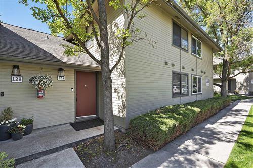 Photo of 3623 S Gekeler Lane #127, Boise, ID 83706-6493 (MLS # 98802591)