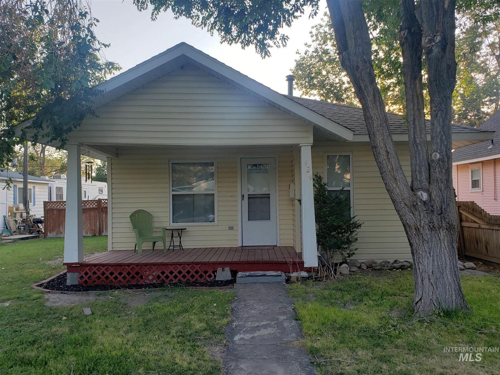 Photo of 429 Walnut, Twin Falls, ID 83301 (MLS # 98811591)