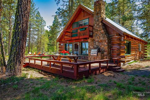 Photo of 170 Shadows Trail, Donnelly, ID 83615-0000 (MLS # 98768593)