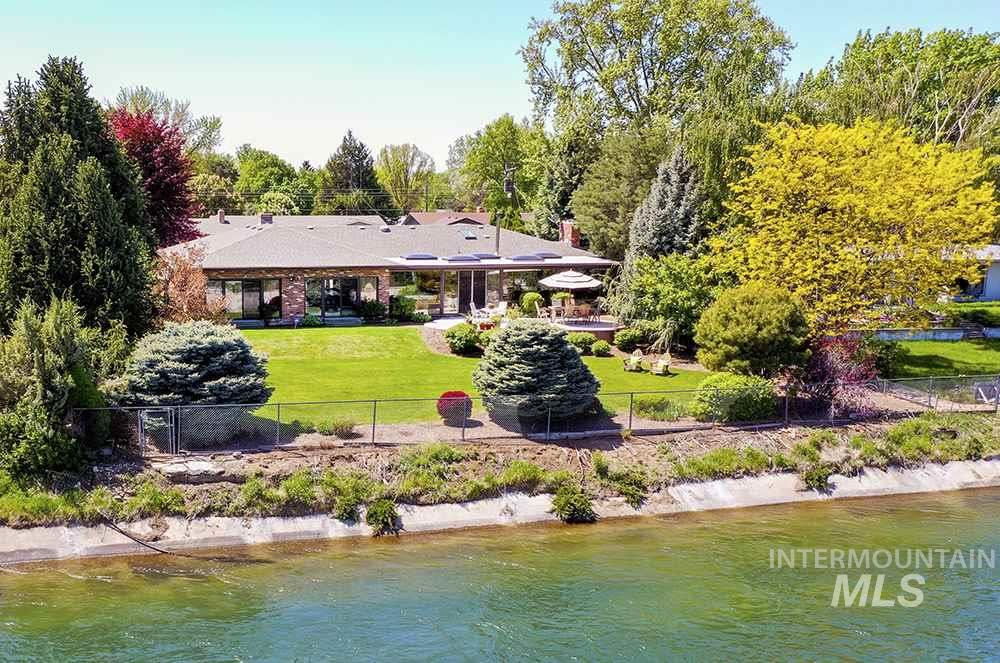 Photo of 3602 W Hillcrest Dr, Boise, ID 83705 (MLS # 98776593)