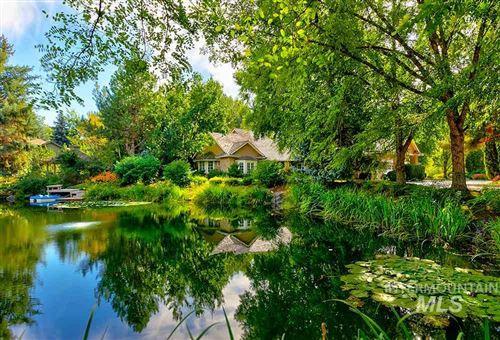Photo of 9211 W Pebble Brook Ln, Garden City, ID 83714 (MLS # 98749595)