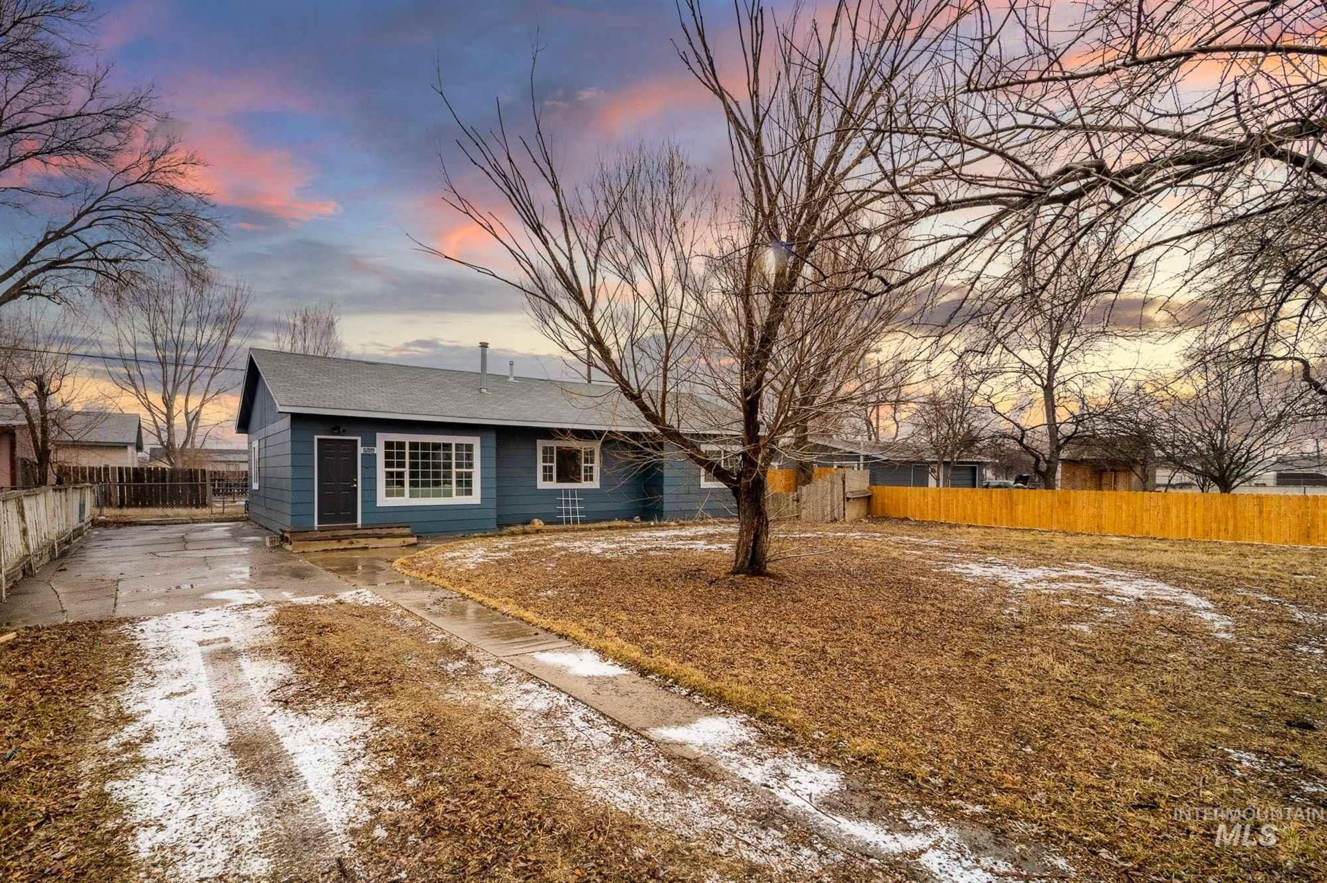 Photo of 550 NW Birch Ave, Mountain Home, ID 83647 (MLS # 98791603)