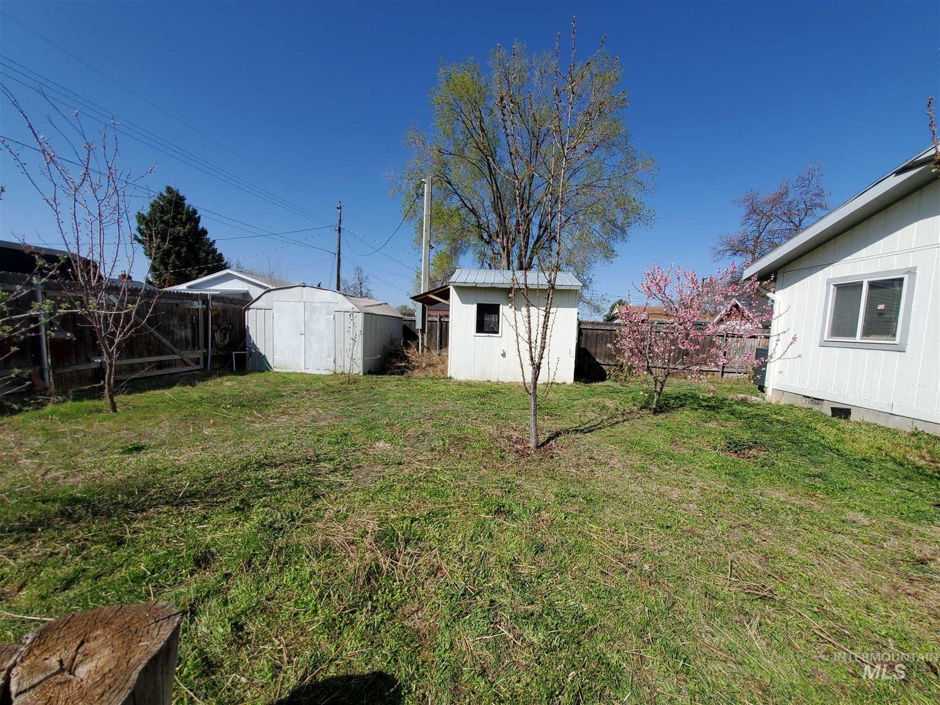Photo of 241 Blaine Ave, Nampa, ID 83651 (MLS # 98798605)