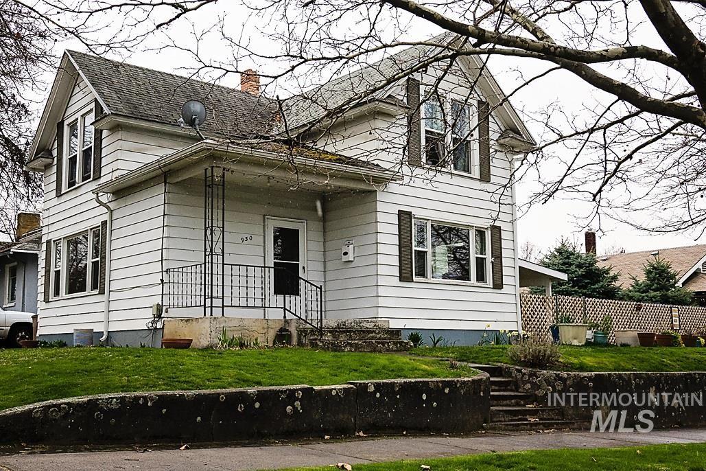 Photo of 930 7th Ave, Lewiston, ID 83501 (MLS # 98822606)