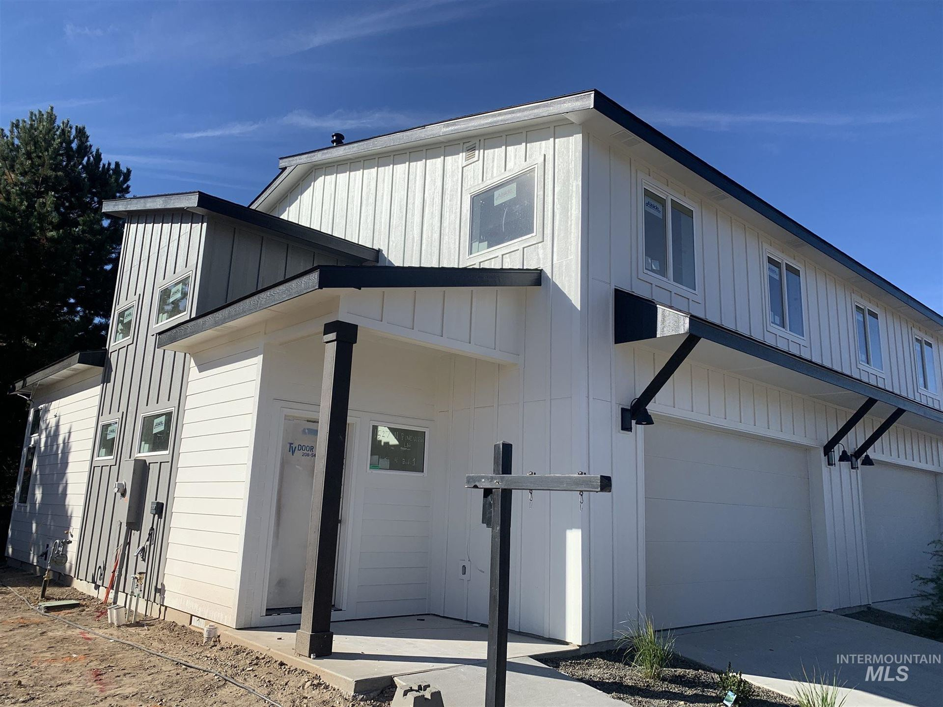 Photo of 1527 N Pineview Ln, Boise, ID 83713 (MLS # 98784609)