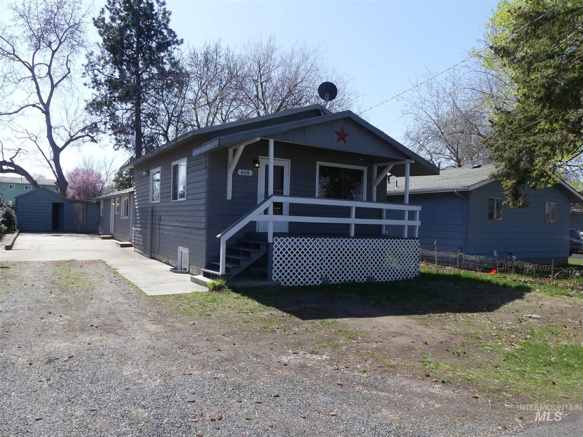 Photo of 614 Airway Ave, Lewiston, ID 83501 (MLS # 98798613)