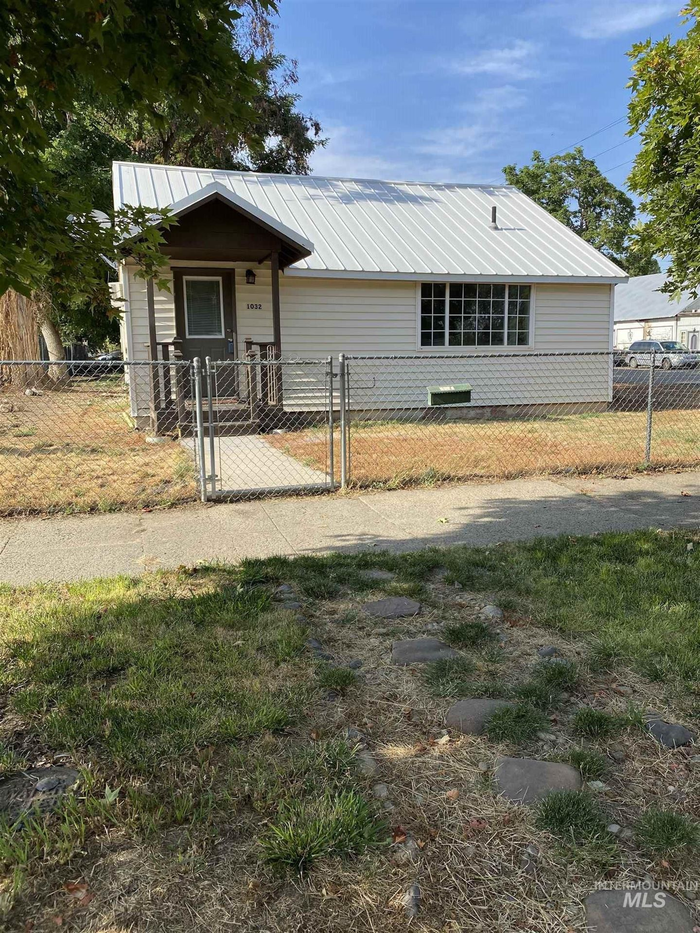 Photo of 1032 E Commercial St., Weiser, ID 83672 (MLS # 98776614)