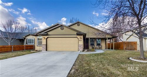 Photo of 924 WINDSONG CT, Caldwell, ID 83605-3162 (MLS # 98757618)