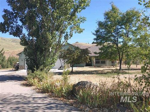 Photo of 9 Mikylar Wy, Horseshoe Bend, ID 83629-8003 (MLS # 98776618)