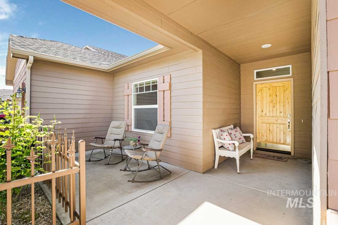Photo of 73 E Ryegate Dr., Meridian, ID 83646 (MLS # 98768621)