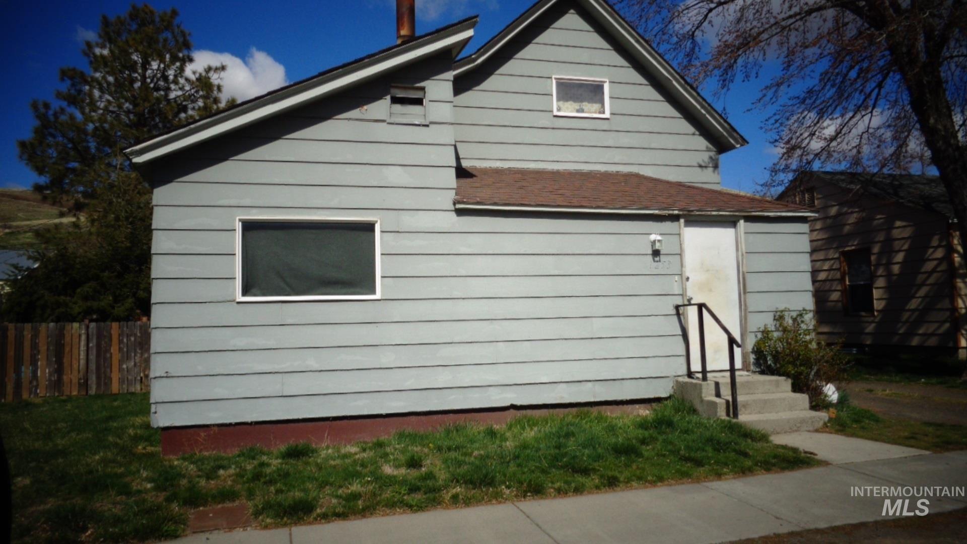 Photo of 1253 Columbia street, Pomeroy, WA 99347 (MLS # 98797621)