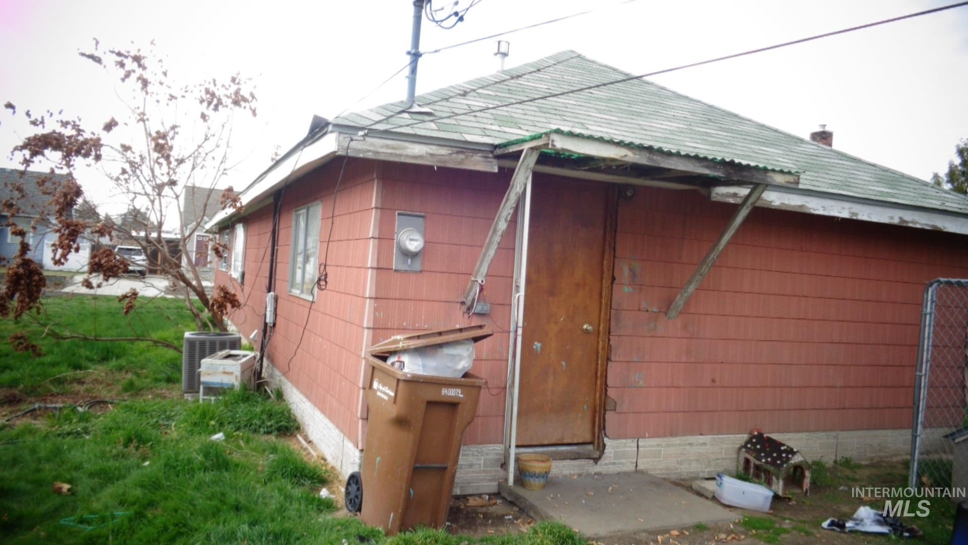 Photo of 729 4th street, Clarkston, WA 99403 (MLS # 98797623)