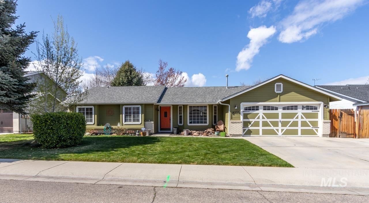 Photo of 4339 S Rimview Way, Boise, ID 83716 (MLS # 98798624)