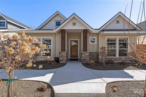 Photo of 2465 N Birchgrove Lane, Boise, ID 83703 (MLS # 98799625)